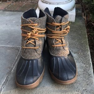 Sperry Insulated Rain/Snow lace booties